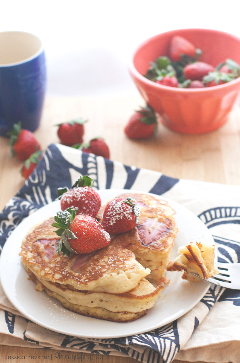 strawberry-buttermilk-pancakesLH1